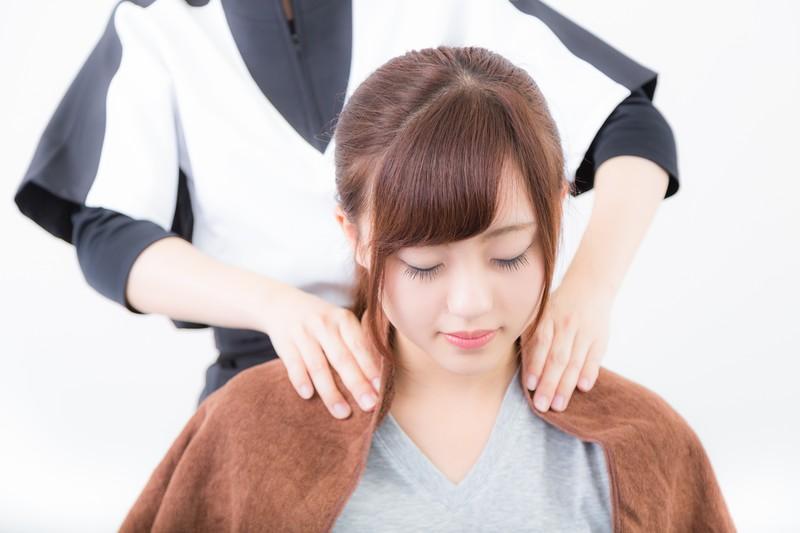 首に違和感あり!!