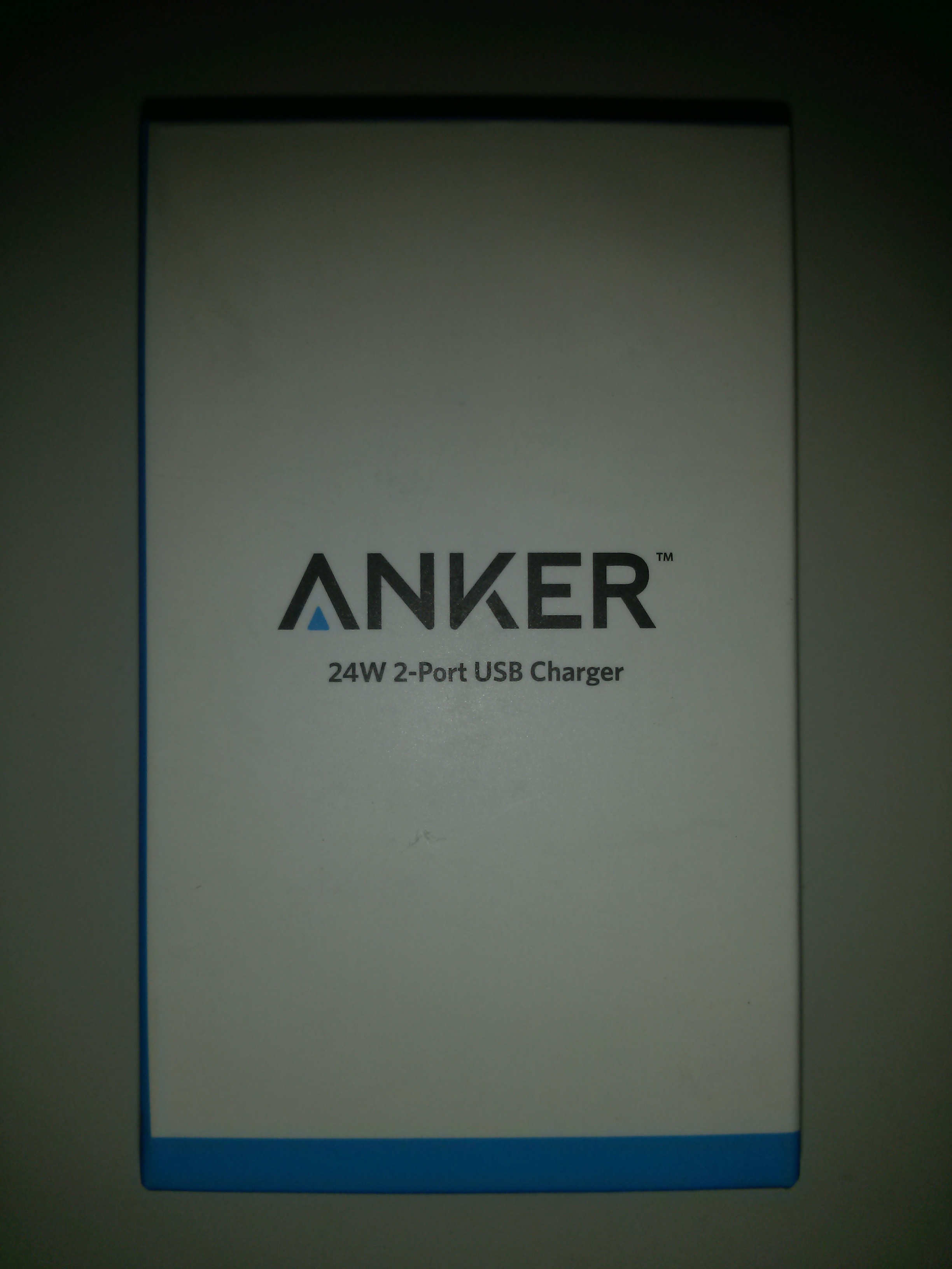 Anker_24W_2ポート_USB急速充電器_箱