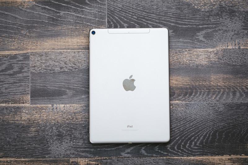 iPad Airが発売開始