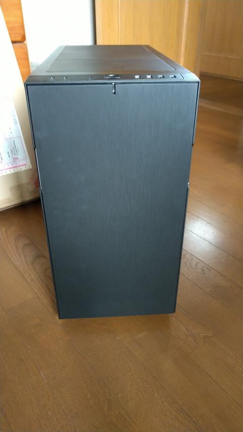 PCケースを「Fractal Design Define R5 ブラック」に変更しました。